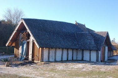 viking-longhouse-model