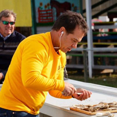 oyster-shucking-contestant-st-marys-festival