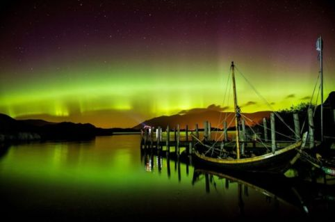 VikingLongboat-moored.NorthernLights