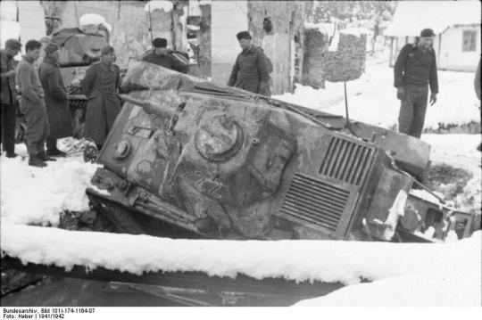 WWII-tank-in-ditch