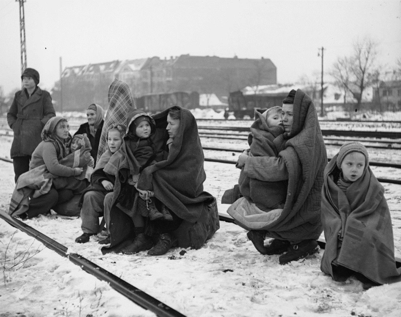 Germans-expelled-from-Poland.AD1945