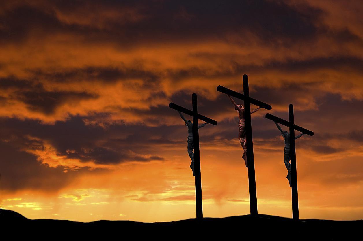 Crucifixion-3-crosses.sunset-background